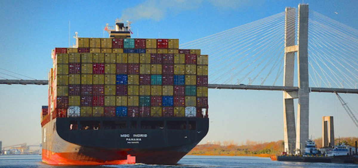 Incoterms rules: title and risk for international transport goods